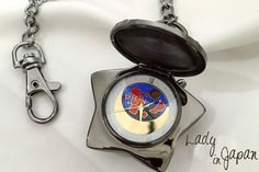 Sailor Moon Star Locket Music Box Pocket Watch Tuxedo Mask Cosplay Chinese custom merchandise x Sailor Moon 20th Anniversary。 Another music box unique of its kind: A musical pocket watch, Tuxedo Kamen inspired。 Music and design totally inspired to the character of Tuxedo Mask。