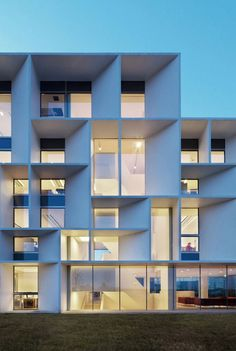 #building in Ravenna, Italy by Piuarch Architects #grid #pattern