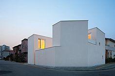 파사드 - 중정을 품고있는 모습 / 빛나는 중정을 품은 보석집(Casa de La Jolla) : 네이버 매거진캐스트