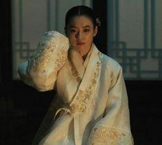 Korean Traditional Dress, Traditional Dresses, Cheongsam, Hanfu, Han Hyo Joo Fashion, Secret Garden Korean, Kdrama, Modern Hanbok, Culture Clothing