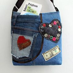 Kabelky - LOVE JEANS BAG * GAMA * PARROT® - 8019876_ Jean Purses, Purses And Bags, Jean Crafts, Hippie Bags, Denim Bag, Girls Jeans, Design Crafts, Paris Fashion, Coin Purse
