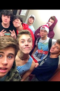 Nash Grier, Mathew Espinosa, Cameron Dallas, Aaron carpenter and all the guys Shawn Mendes Cameron Dallas, Shawn Mendes Magcon, Shawn Mendes Snapchat, Cam Dallas, Shawn Mendes Cute, Aaron Carpenter, Carter Reynolds, Jack Gilinsky, Taylor Caniff