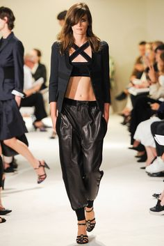 Catwalk photos and all the looks from Sonia Rykiel Spring/Summer 2015 Ready-To-Wear Paris Fashion Week 2015 Fashion Trends, Spring 2015 Fashion, Spring Summer 2015, Love Fashion, Runway Fashion, High Fashion, Fashion Show, Fashion Design, Paris Fashion