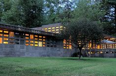 Frank Lloyd Wright. Usonian Style. Gerald B. Tonkens Residence. Amberley Village, Ohio. (Near Cincinnati). 1954