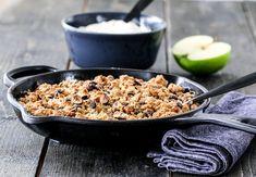SMULDREPAI MED KARAMELLISERTE EPLER | TRINES MATBLOGG Cereal, Cookies, Baking, Breakfast, Food, Drinks, Crack Crackers, Morning Coffee, Drinking