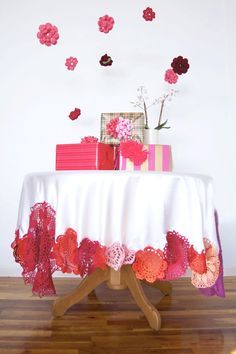 diy doily table cloth idea