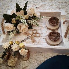 Kütük nişan tepsi . . . #kutu Ring Pillow Wedding, Wedding Ring Box, Wedding Gifts, Engagement Ring Platter, Engagement Ring Holders, Engagement Decorations, Wedding Decorations, Marriage Decoration, Wedding Mandap