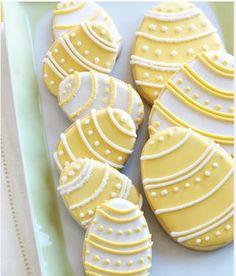 fun yellow Easter sugar cookies :)