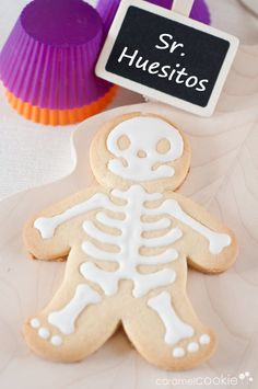 just ordered this cookie cutter/stamper halloween cookies Halloween Goodies, Halloween Ornaments, Halloween Desserts, Halloween Food For Party, Halloween Cakes, Cute Halloween, Holidays Halloween, Halloween Treats, Caramel Cookies