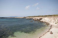 Le più belle spiagge di Favignana: mare incotaminato, blu profondo, brezza del vento, vacanze indimenticabili... --- The most beautiful beaches of Favignana: unpolluted sea, deep blue, the breeze of the wind, unforgettable holidays ...