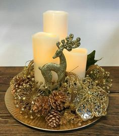 Golden Reindeer Centerpiece – DIY World 50 Diy Christmas Decorations, Christmas Arrangements, Christmas Centerpieces, Holiday Decor, Christmas Tables, Graduation Decorations, Noel Christmas, Christmas Wreaths, Christmas Crafts