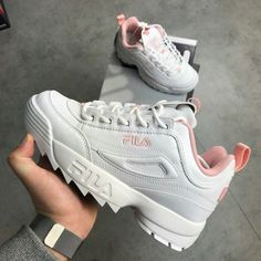 White Fila Disruptor II platform sneakers with pink detail. Worn a handful of times, near perfect condition. Comes with extra set of pink laces. Moda Sneakers, Cute Sneakers, Sneakers Nike, Sneakers Fashion, Fashion Shoes, Fashion Moda, Mens Fashion, Kawaii Shoes, Fila Disruptors