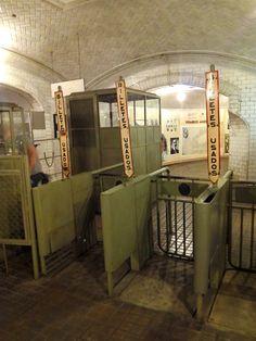 Metro Madrid, Metro Subway, U Bahn, Master Plan, Vintage Photos, Barcelona, City, Train Stations, Golden Syrup