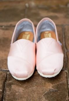 dbb71048bc2b ballerina pink toms I want them so bad. Toms Outlet