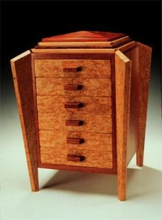 The Dutchess handmade jewelry box by Jim Fiola at the Fine Arts Festival, May… Jewellery Boxes, Jewellery Storage, Woodworking Box, Woodworking Projects, Decorative Wooden Boxes, Jewelry Box Plans, Local Craft Fairs, Handmade Jewelry Box, Creative Box