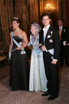 Crown Princess Victoria wore the 4-Button Tiara to the Nobel Laureates Dinner on December 11, 2004.