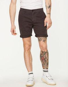 Bruce Shorts Acid Black aus Biobaumwolle vegan und fair hergestellt #fairfashion #veganemode Shorts, Jeans, Shopping, Black, Fashion, Vegan Fashion, Trousers, Cotton, Moda