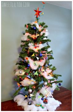 Disney's Planes Themed Christmas tree #PlanesToTheRescue #ad