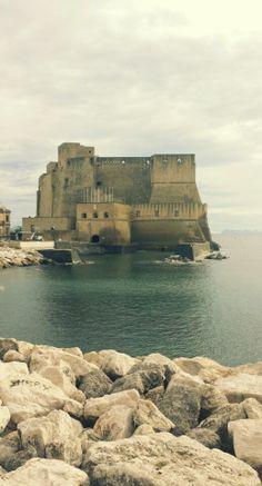 Il castel dell'Ovo (castrum Ovi, in latino), è il castello più antico della città di Napoli[1] ed è uno degli elementi che spiccano maggiormente nel celebre panorama del golfo. Si trova tra i quartieri di San Ferdinando e Chiaia, di fronte alla zona di Mergellina.