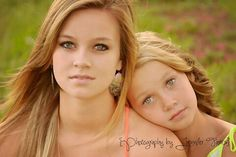Photography by Jennifer Farris cute sister pose!!