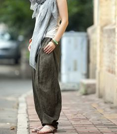 Colored Woven Casual Linen Pants-i'd like to learn to sew these Colored Weave, Girl Inspiration, Fashion Project, Street Outfit, Couture, Textiles, Facon, Linen Pants, Unique Outfits