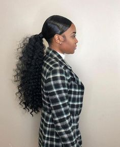 Stunning Ponytail Hairstyles for Black Women - The UnderCut Stunning Ponytail Hairstyles for Black Women. Black or natural hair can be quite difficult to control, but it's still quite easy to do a perfect ponytail. Curly Ponytail Weave, Slicked Back Ponytail, Slick Ponytail, Black Ponytail Hairstyles, Hair Ponytail Styles, Long Ponytails, Black Girls Hairstyles, Braided Hairstyles, Curly Hair Styles