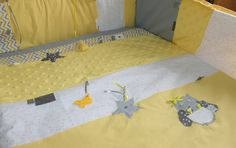 Tapis d'éveil ou de parc jaune, blanc et gris chouette ... 1mx1m sur commande : Jeux, peluches, doudous par lilouetpuce