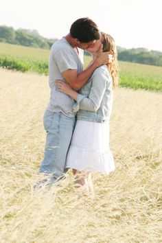 kiss in the middle of a field, mmm countryy.