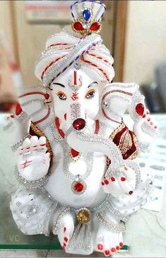 Ganesha Pictures, Radha Krishna Pictures, Jai Ganesh, Lord Ganesha, Happy Ganesh Chaturthi Images, Wallpaper Nature Flowers, Android Phone Wallpaper, Ganpati Bappa, Wallpaper Free Download