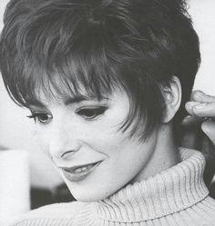 Mylène Farmer L'autre Era 1990 💚💛💚💛 #mylenefarmer #sexy #90s #l4l #like4like #likeforlike #lgbtq #france #russia #poland #retro #love #diva #music #art #singer #makeup #fit #fashion