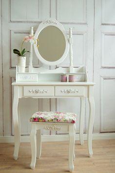 Schminktisch mit Rosenornamenten von Windschief Living auf DaWanda.com