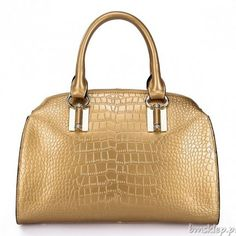 Gold Everyday leather handbag with reptile finish. Cowhide Leather, Cow Leather, Leather Bag, Patent Leather, Corte Y Color, Crocodiles, Womens Tote Bags, Women Bags, Louis Vuitton Speedy Bag