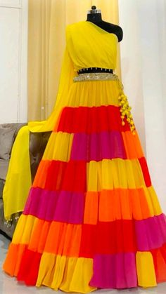 Indian Gowns Dresses, Indian Fashion Dresses, Indian Designer Outfits, Indian Outfits, Beautiful Dress Designs, Stylish Dress Designs, Fancy Dress Design, Designer Party Wear Dresses, Stylish Dresses For Girls