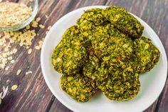 """Ropogós brokkoli fasírt - Hozzávalók 12 darab fasírtra 500 g brokkoli 0.5 db sárgarépa (nyers, megpucolt) 0.5 fej vöröshagyma 1 gerezd fokhagyma 1 db tojás (közepes, """"M""""-es méretű) 40 g gluténmentes zabkorpa 100 g gluténmentes zabpehely só bors - fekete (tört) Diabetic Recipes, Diet Recipes, Vegan Recipes, Vegan Food, Eat Pray Love, Food Tent, Food Labels, Recipe Cards, Plant Based Recipes"""
