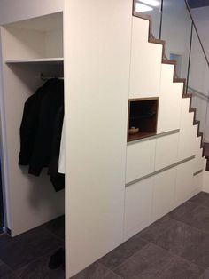 Innentreppe zero:e cube Stairway Decorating CUBE Innentreppe zeroe Staircase Storage, Stair Storage, Staircase Design, Ikea Storage, Storage Spaces, Cabinet Under Stairs, Stairway Decorating, Modern Stairs, Home Office Organization