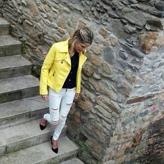 @leirper luce jeans y blusa de Zara genial!! #weloveinditex #loveinditex #looksinditex #adictasainditex #inditex #inspiracion #lovers #instabloggers #blogger #fashion #style #winter #weloveinstabloggers by weloveinditex