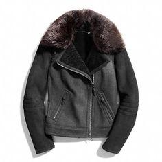 Love @ first sight!   Coach  SHEARLING COMBO MOTO JACKET Winter Wear, Autumn Winter Fashion, Shearling Jacket, Leather Jacket, Parka, Coach Outfits, Peau Lainee, Big Fashion, Street Fashion