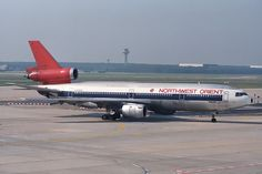 Northwest Orient Airlines McDonnell-Douglas DC-10-40I