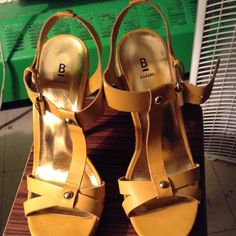 Yellow Bakers Sandals In Size 8.5