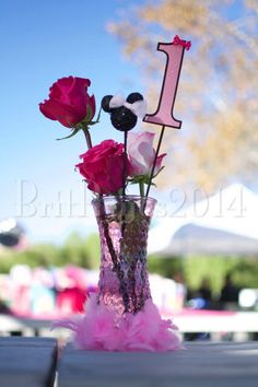 Center pieces Minnie Mouse 1st birthday pink Minnie Mouse 1st Birthday, Minnie Mouse Theme, Center Pieces, First Birthdays, Birthday Ideas, Party Ideas, Pink, Decor, Centerpieces