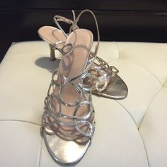 Women's US size 10M Gold Sandal Slightly worn good condition please review pictures and ask questions Shoes Sandals