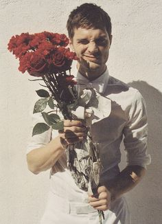 ...with a roses bouquet. *-*