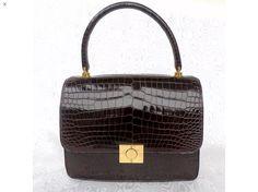 Vintage Fashion, Vintage Style, Vintage Handbags, Luxury Bags, Hermes Birkin, Crocodile, True Love, Fashion Bags, Purses And Bags