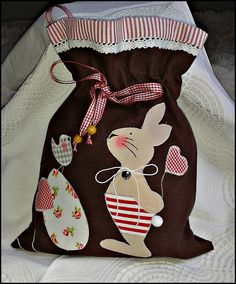 - Print for Easter - nahen Easter Crafts, Felt Crafts, Bunny Bags, Easter Pictures, Diy Ostern, Fabric Bags, Applique Patterns, Kids Bags, Handmade Decorations