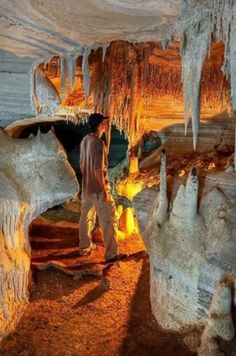 Cave of the Ghost, Parque Nacional Canaima - Venezuela. Places To Travel, Places To See, Places Around The World, Around The Worlds, Beautiful World, Beautiful Places, Image Nature, Nature Nature, Natural Wonders