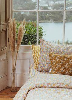 Bedding set made with Liberty fabric 'Felicite' | Etsy Superking Bed, King Duvet Set, Duvet Bedding Sets, Linen Bedding, Big Girl Rooms, Dream Bedroom, Master Bedroom, Liberty Fabric, King Beds