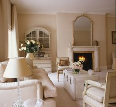 Soft & pretty, wonder what wall colour is?  Sofa, chairs, chest.. INTERIOR DESIGN ∙ LONDON HOUSES ∙ Other - Todhunter EarleTodhunter Earle