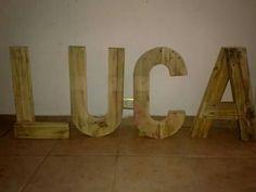 Letras de madera reciclada
