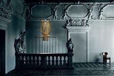Необычные и изысканные лампы, подборка фото из разных коллекций. Обзор дизайна и истории создания подвесных светильников и напольных торшеров.