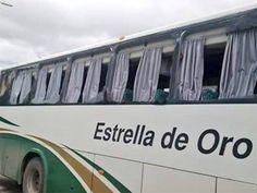 Tráiler choca contra autobús donde viajan los padres de los 43